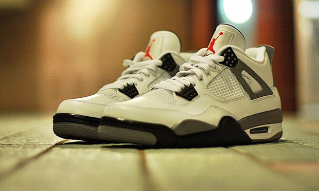 Nike Air Jordan IV 4 Cement Retro Mens Shoes Chicago Bulls White
